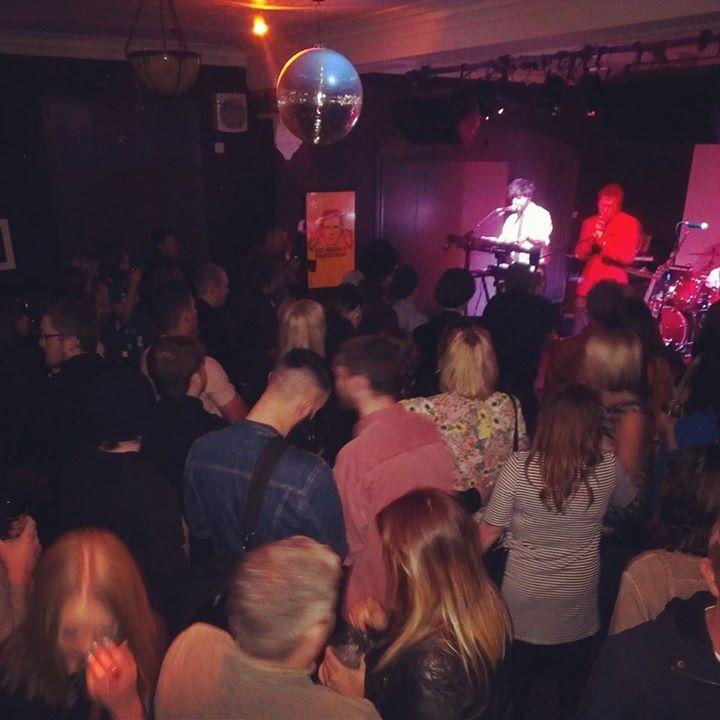 The-Victoria-Pub-Birmingham-upstairs-live-band