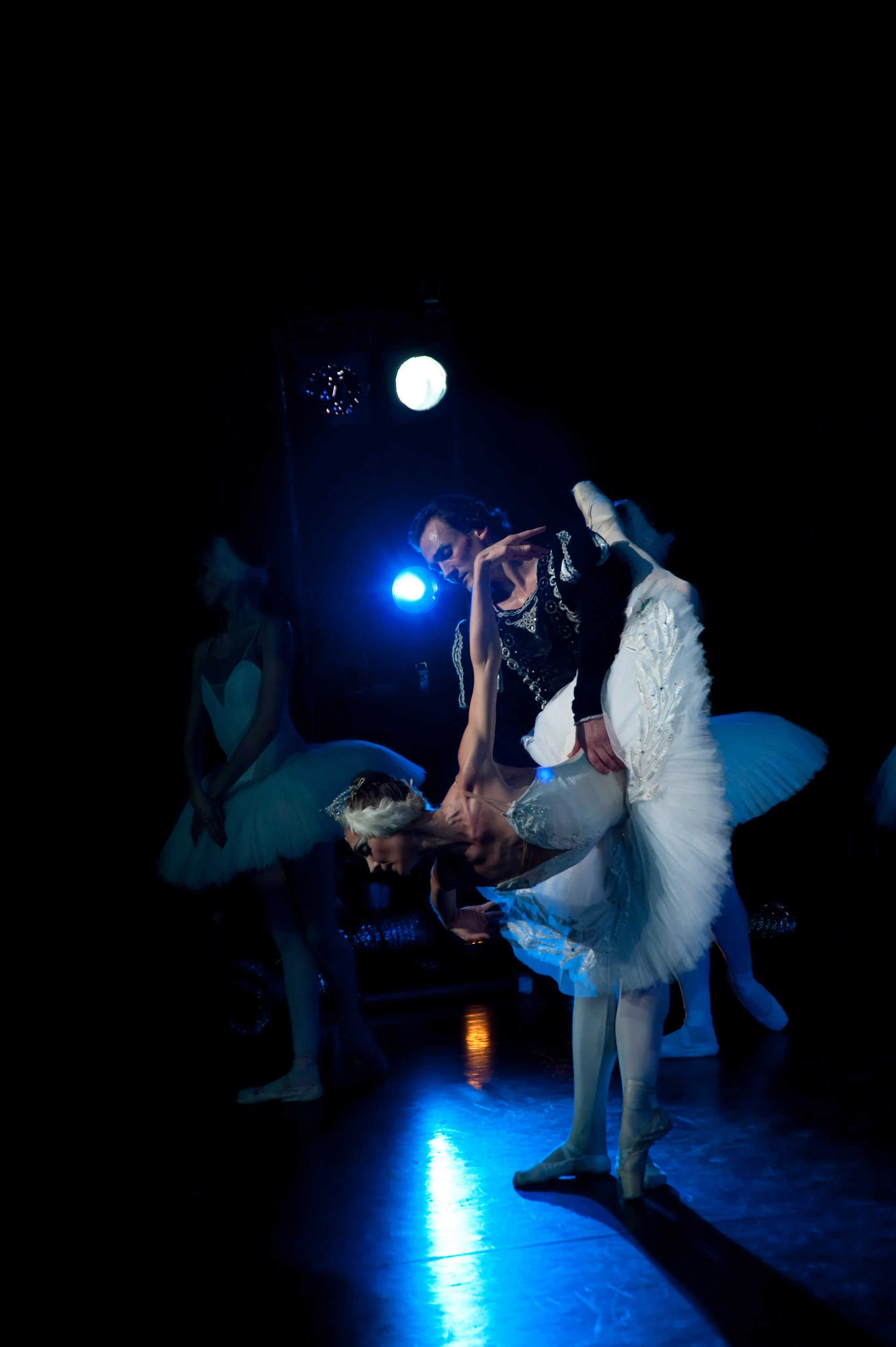Natalya Romanova Odette. Vadim Lolenko Siegfried. Shot from the wings