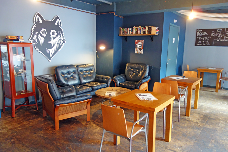 the wolf sofas